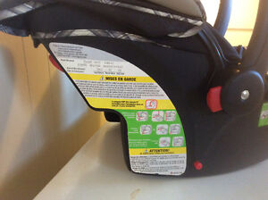 2 car seats with stroller London Ontario image 2