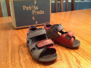 Sandales en cuir Petits Pieds -19