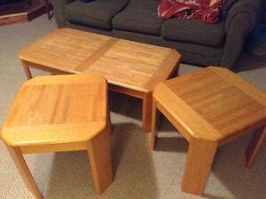 Wood coffee table set