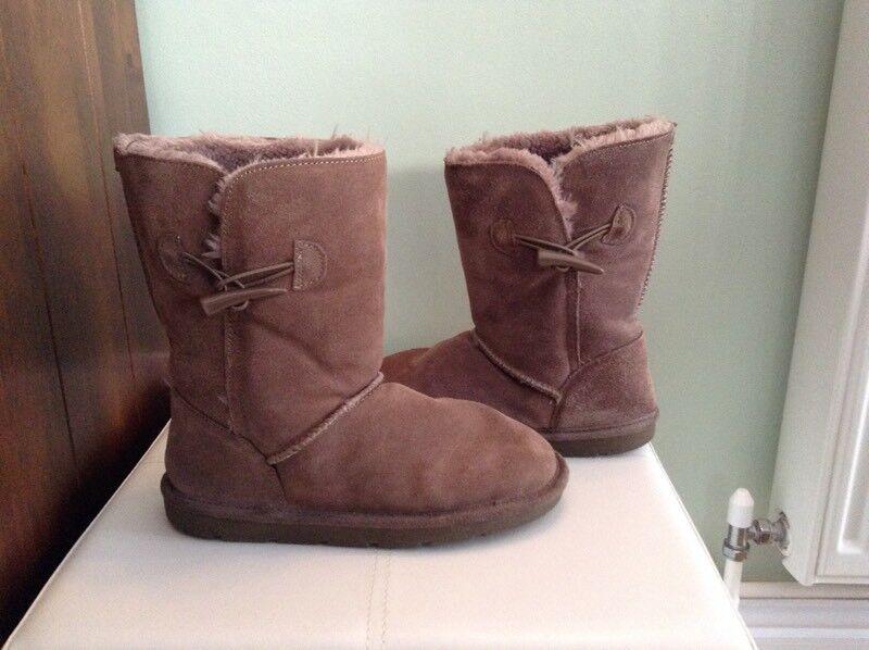 Worn condition size 3 tu girls ugg lookalike boots .