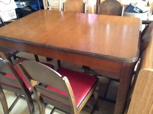 solid wood dining table 6 chairs and 1 leaf delivery included