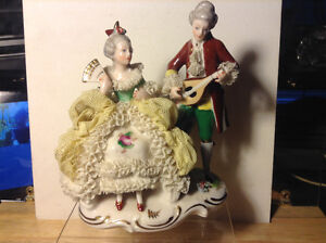 ANTIQUE DRESDEN LACE BAVARIA GERMANY FIGURINE