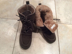 Alpi Fleece Lined Winter Boot woman's size 7