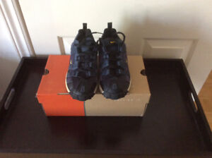 Nike running shoes- boys size 4
