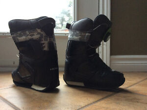 Kids - HEAD Snowboarding Boots - size 2-3 jr.