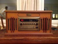 Vintage Collection Vinyl Turntable / CD Player / FM Radio