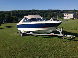 Bayliner Classic 5.0L Bowrider With Trailor