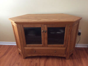 OAK CORNER ENTERTAINMENT UNIT