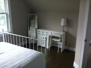 Central Kitchener - Rooms for rent in clean and quiet house Kitchener / Waterloo Kitchener Area image 7