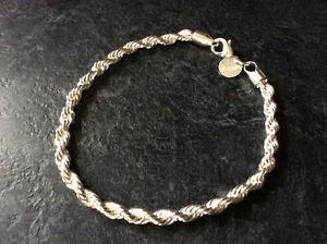 Beautiful Silver Tone Women's Bracelet