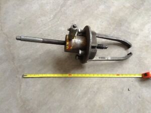 Snap On-Bearing puller-Large