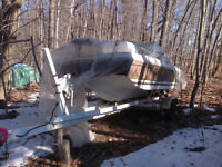 Boat Trailor, 19 foot with 4 wheels and boat and motor