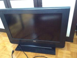 télé de 33 pouces écran plat