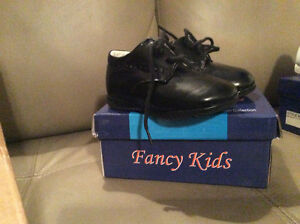 Size 4 Toddler black Dress shoes