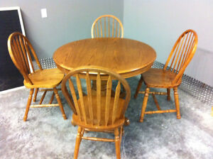 Oak dining room & table 6 chairs