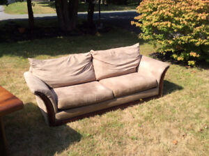 Nice Couch,First 100.00 get it