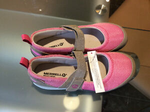 Souliers Merrell neufs pour fille, taille 3