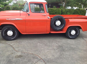 ISO: 235 6 Cylinder Engine/Block for 1957 Chevy Pickup
