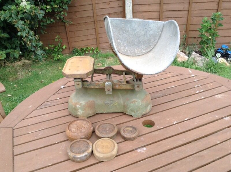Set of vintage shop scales and weightsin Budleigh Salterton, DevonGumtree - Great set of large heavy vintage shop scales and weights in working order