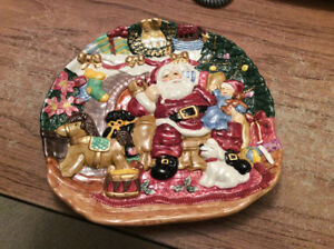 Beautiful Christmas serving plate & Santa mug