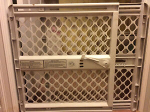 Safety Expandable Gate