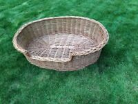 Large wicker dog basket - Very good condition