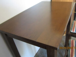 TALL WOODEN TABLE & 2 STOOLS, striped cushions and 4 placemats