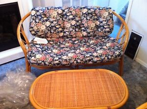 wicker love seat,2 chairs,table,and cushions Belleville Belleville Area image 2