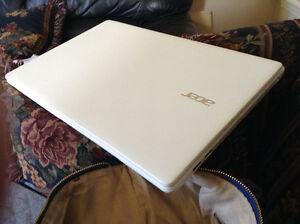 Acer Laptop White Barely Used