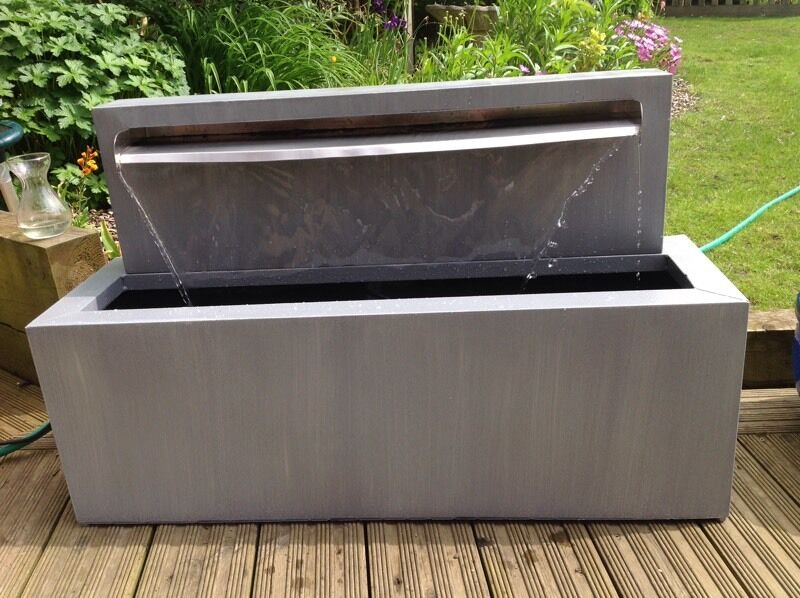 Genial Self Contained 70cm Blade Water Feature