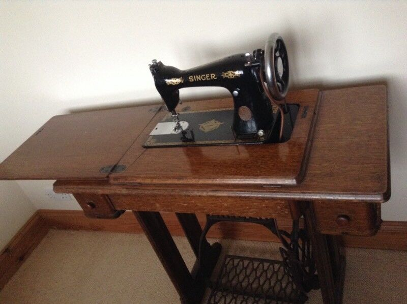 Old Vintage Singer Treadle Sewing Machine In Table