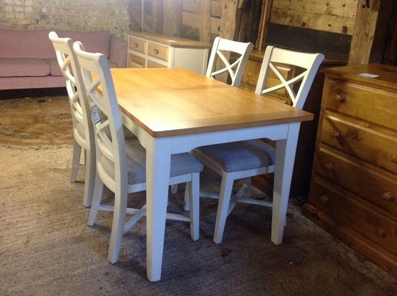 oak top dining table