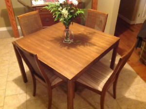 Just Reduced   Oak Dining Table And Chairs
