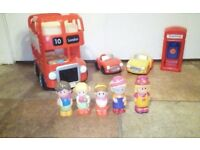 Happyland London Bus, 2 vehicles and 5 characters and a phone box