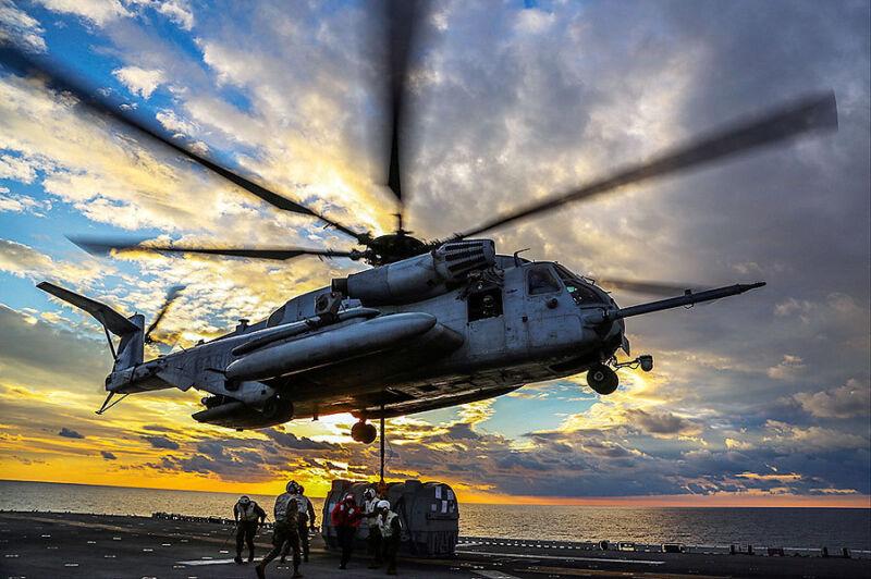 MARINE CORPS CH-53E SUPER STALLION HELICOPTER 12x18 SILVER HALIDE PHOTO PRINT
