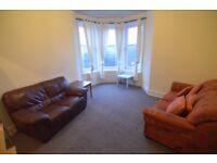 2 bedroom flat in Causeyside Street, Paisley