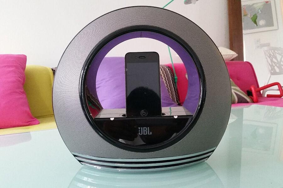 Welche JBL Lautsprecher sind mit dem iPhone kompatibel?
