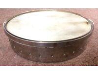 English style banjo rim solid oak, overspun in nickel. 28 holes, Goatskin vellum.