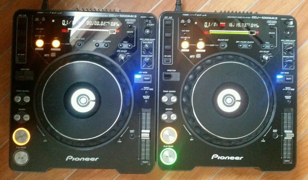 pioneer cdj 1000 mk3 pair excellent condition serato codecs installed 2x sd cards in. Black Bedroom Furniture Sets. Home Design Ideas