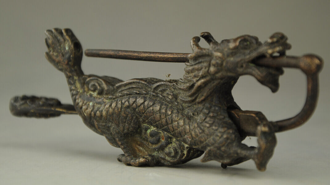 Exquisite OLD CHINESE OLD STYLE BRONZE DRAGON LOCK AND KEY COLLECTION RT