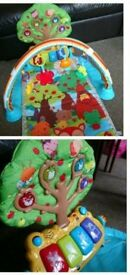 vetch little friendlies glow and giggle playmat