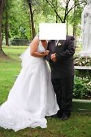 $250 wedding dress with veil and train  (Melody Collection)