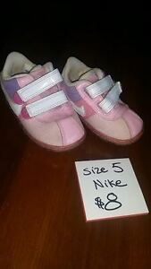Girls Shoes -- Size 5 (Toddler)