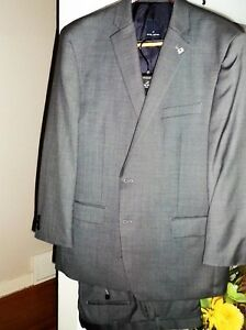 Newer Suit in beautiful condition  Worn one time