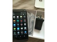 HTC One M8 (UNLOCKED) 16GB Gunmetal Grey in Immaculate Condition
