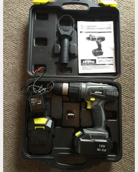 18v Cordless hammer drill. Comes with 2 batteries and charger
