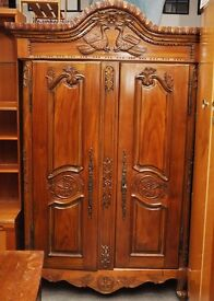 20% OFF ALL ITEMS SALE - Stunning Carved Wardrobe / Amoire - Can Deliver For £19