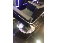 Salon Chair to rent or work on commission