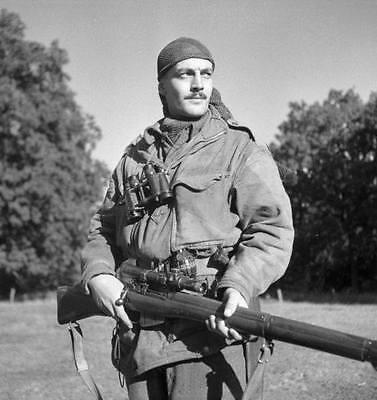 WWII B&W Photo Canadian Sniper Enfield Rifle SMLE  WW2 / 1106