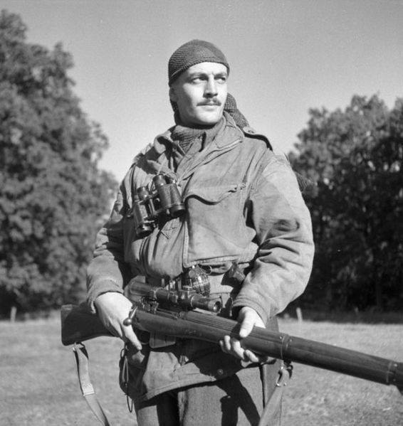 WWII B&W Photo Canadian Sniper Enfield Rifle SMLE  WW2 World War Two  / 1106